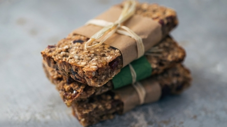 Homemade Cereal Bars with Tahini